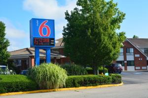 Motel 6 Newport Rhode Island, Отели  Ньюпорт - big - 13