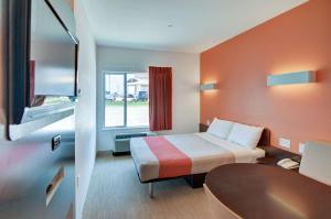 Motel 6 Fort Worth Northlake Speedway, Hotels  Roanoke - big - 37