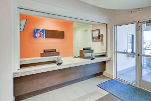 Motel 6 Fort Worth Northlake Speedway, Hotels  Roanoke - big - 51