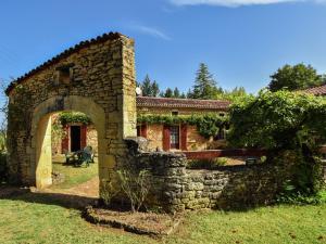 Maison De Vacances - Loubejac 12, Prázdninové domy  Saint-Cernin-de-l'Herm - big - 14