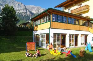 Familien- und Wanderhotel Matschner, Szállodák  Ramsau am Dachstein - big - 44
