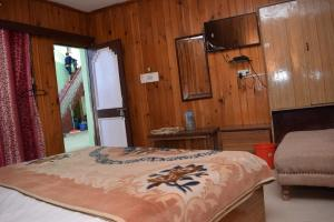 Hotel Dogra Residency Patnitop, Hotels  Udhampur - big - 8