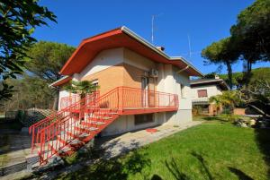 Villa a Lignano Riviera with air conditioning - AbcAlberghi.com
