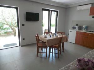 Apartments Cintya, Apartmány  Poreč - big - 45