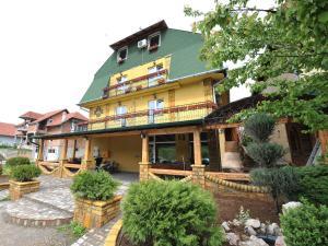 Villa Belilo 69, Penziony  Sremski Karlovci - big - 14