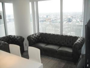 Spade Group - Harbour St. Condo, Апартаменты  Торонто - big - 12