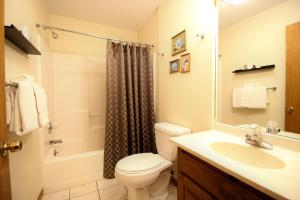 Peach Tree Inn & Suites, Hotel  Fredericksburg - big - 27
