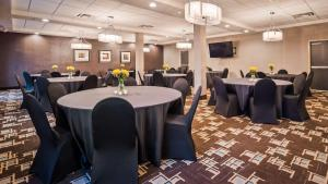 Best Western Plus Atrium Inn & Suites, Hotel  Clarksville - big - 32