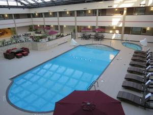 Best Western Premier Milwaukee-Brookfield Hotel & Suites, Отели  Brookfield - big - 51