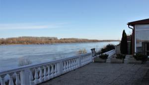 Duna Panoráma Panzió, Affittacamere  Gönyů - big - 31