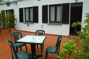 Hotel Sonenga, Отели  Менаджо - big - 9