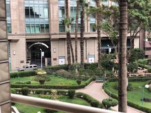 Nile Hunters Suites & Apartments, Szállodák  Kairó - big - 56