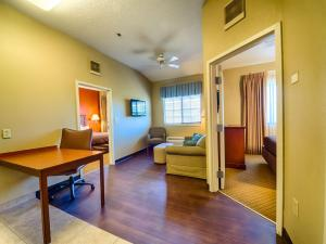 Two-Bedroom Queen Suite with Two Queen Beds - Non-Smoking