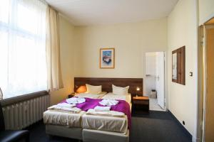 Hotelpension Margrit, Guest houses  Berlin - big - 16