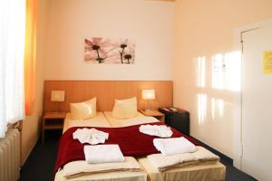 Hotelpension Margrit, Guest houses  Berlin - big - 20