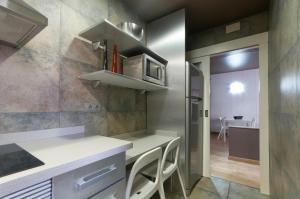 Barcelona Home-Paralel Apartments, Апартаменты  Барселона - big - 3