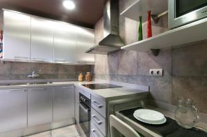 Barcelona Home-Paralel Apartments, Апартаменты  Барселона - big - 6
