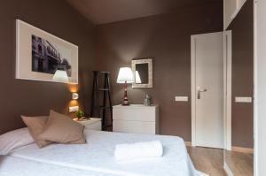 Barcelona Home-Paralel Apartments, Апартаменты  Барселона - big - 7