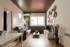 Barcelona Home-Paralel Apartments, Апартаменты  Барселона - big - 13