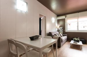 Barcelona Home-Paralel Apartments, Апартаменты  Барселона - big - 14