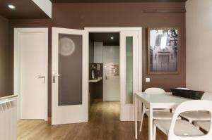 Barcelona Home-Paralel Apartments, Апартаменты  Барселона - big - 16
