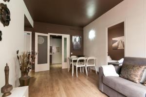 Barcelona Home-Paralel Apartments, Apartmanok  Barcelona - big - 18