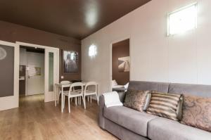 Barcelona Home-Paralel Apartments, Апартаменты  Барселона - big - 19