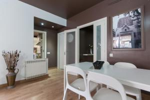 Barcelona Home-Paralel Apartments, Апартаменты  Барселона - big - 20
