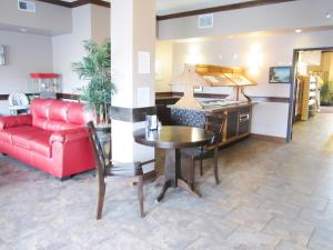 Bell's Extended Stay and Suites, Отели  Saint Robert - big - 23