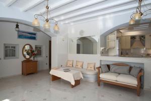 Delia Paradise Luxury Villas, Vily  Mykonos - big - 56