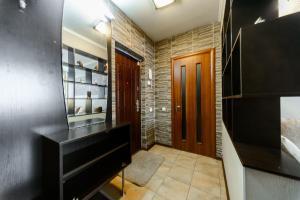 Apartment on Obolonskyi Avenue 28, Appartamenti  Kiev - big - 3