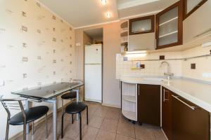 Apartment on Obolonskyi Avenue 28, Appartamenti  Kiev - big - 7