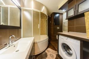 Apartment on Obolonskyi Avenue 28, Appartamenti  Kiev - big - 14