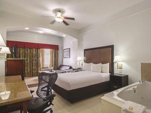 La Quinta Inn & Suites South Padre Island Beach, Hotels  South Padre Island - big - 3