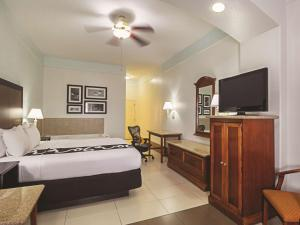 La Quinta Inn & Suites South Padre Island Beach, Hotels  South Padre Island - big - 13