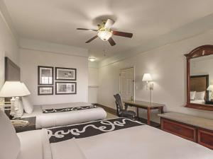 La Quinta Inn & Suites South Padre Island Beach, Hotels  South Padre Island - big - 15