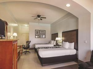 La Quinta Inn & Suites South Padre Island Beach, Hotels  South Padre Island - big - 11