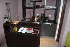 Studio ApartCity, Aparthotels  Braşov - big - 6