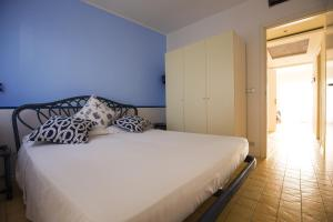 Residence Selenis, Apartments  Caorle - big - 79