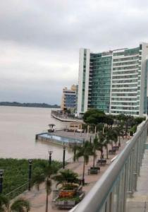 Departamento Riverfront II Guayaquil, Apartmanok  Guayaquil - big - 4