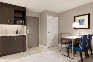 Suite con cama grande - 2 habitaciones