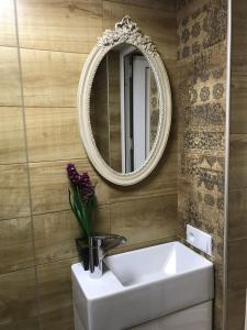 Charming Apartment in Old Town, Apartmány  Tbilisi City - big - 19