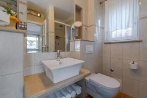 Holiday Home Angelina, Виллы  Mirce - big - 12