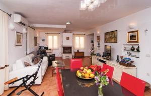Holiday Home Angelina, Виллы  Mirce - big - 31