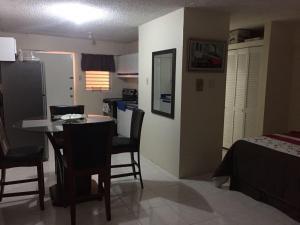 Kensington 212 Suite