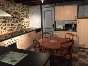 Gîtes au Clos du Lit, Ferienhäuser  Saint-Aaron - big - 40