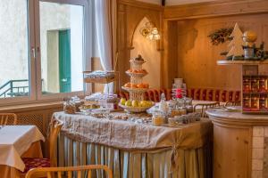 Hotel Vioz, Hotely  Peio Fonti - big - 54