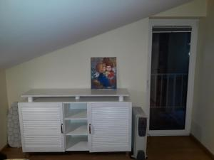 Near fireplace, Apartments  Vilnius - big - 22