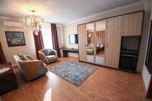Infinity Plaza Hotel, Szállodák  Atirau - big - 73