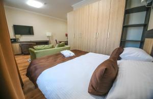 Infinity Plaza Hotel, Szállodák  Atirau - big - 16